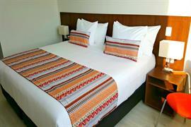 76072_001_Guestroom