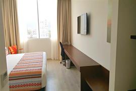 76072_003_Guestroom