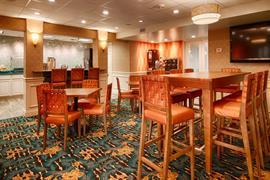 10392_005_Restaurant