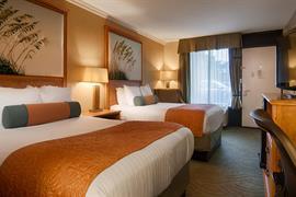 10392_007_Guestroom