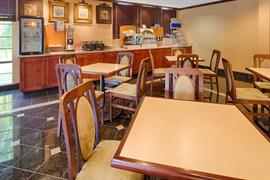 47143_007_Restaurant