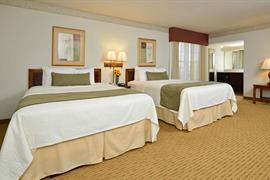 16083_006_Guestroom