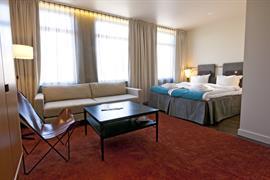 88191_003_Guestroom