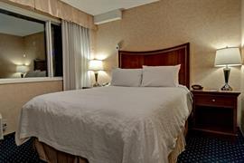 61037_007_Guestroom