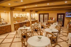 05377_004_Restaurant