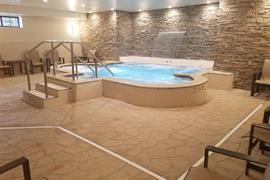 24063_002_Pool