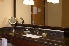 24063_006_Guestroom