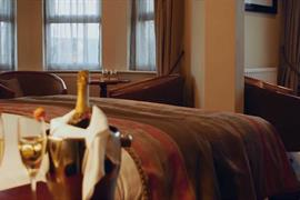 connaught-hotel-bedrooms-76-83679