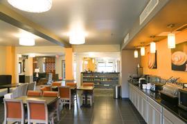 32112_004_Restaurant