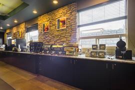 61082_007_Restaurant