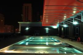 76585_007_Pool