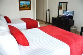 70281_004_Guestroom