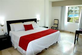 70281_006_Guestroom