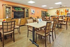 10096_004_Restaurant