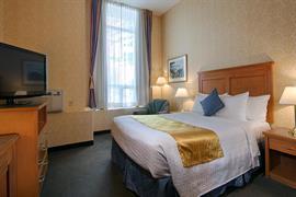62111_006_Guestroom