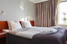 88057_006_Guestroom