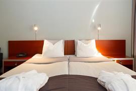 88057_007_Guestroom