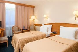 91208_005_Guestroom