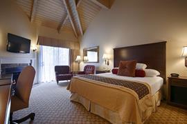 05370_006_Guestroom