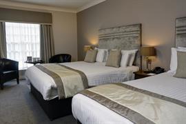 west-retford-hotel-bedrooms-16-83857