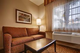 44411_007_Guestroom
