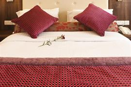 84054_004_Guestroom