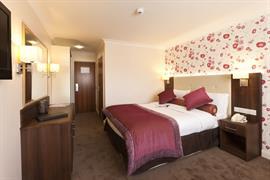84054_006_Guestroom