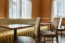 44709_005_Restaurant