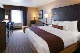 48140_001_Guestroom