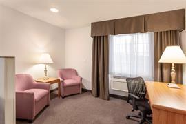 48140_006_Guestroom
