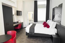 92943_005_Guestroom