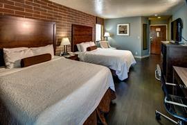 13032_002_Guestroom
