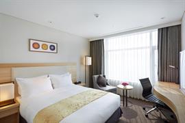 99523_003_Guestroom