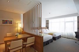 99523_005_Guestroom