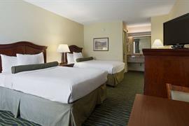 41068_007_Guestroom