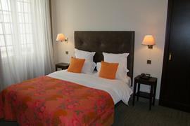 93776_002_Guestroom