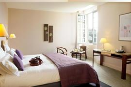 93776_005_Guestroom