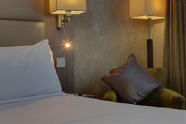 pontypool-metro-hotel-bedrooms-07-83543