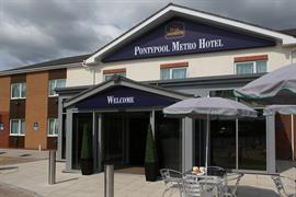 pontypool-metro-hotel-grounds-and-hotel-04-83543