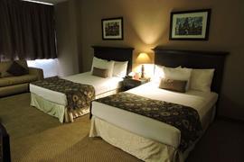 70090_002_Guestroom
