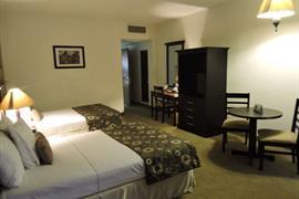70090_003_Guestroom