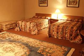 70090_004_Guestroom