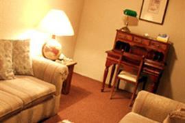 70090_006_Guestroom