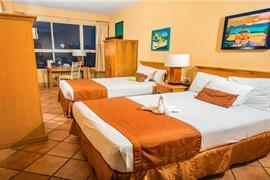 70142_003_Guestroom