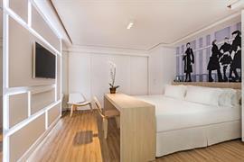 77106_000_Guestroom