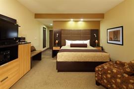 44623_007_Guestroom