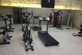 78033_004_Healthclub