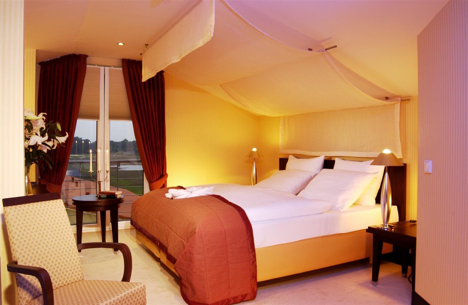 Awesome Castanea Resort Adendorf Contemporary - Kosherelsalvador.com ...