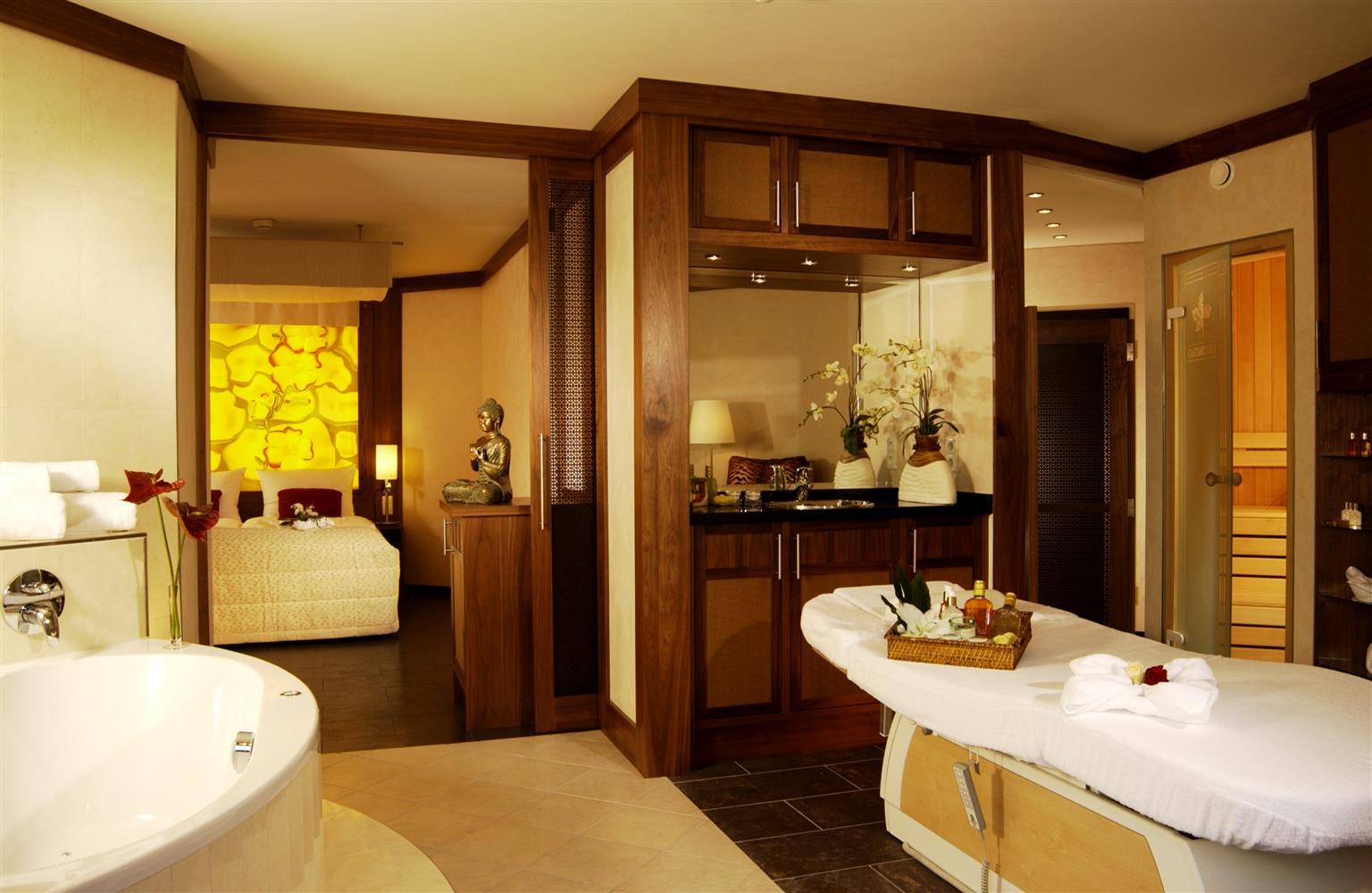 Beautiful Castanea Resort Adendorf Pictures - Thehammondreport.com ...