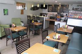 05731_006_Restaurant